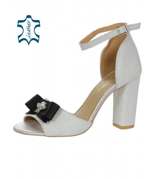Třpytivé stříbrné sandály na hrubém podpatku s mašlí DSA048