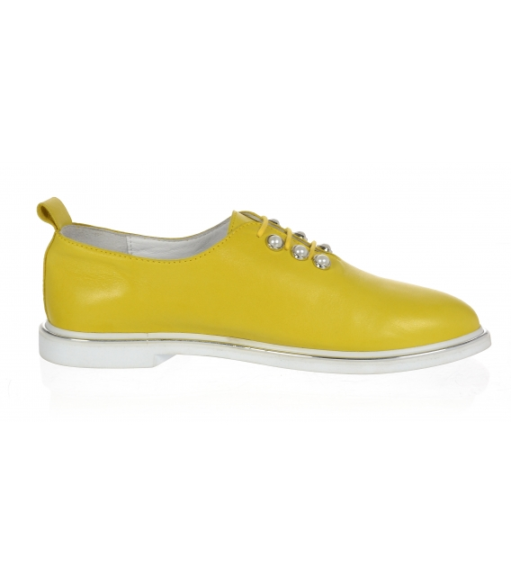 Žluté dámské kožené polobotky s perlami D-741