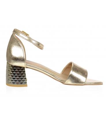 Zlaté kožené sandály na hrubém vzorovaném podpatku DSA2106