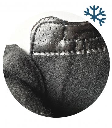 Zateplené černé tenisky se stříbrným hadím vzorem DKO3018