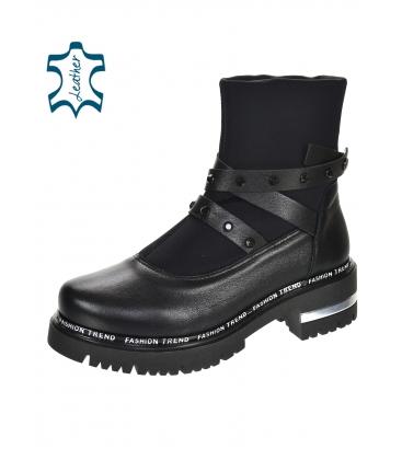 Černé kotníkové boty s ozdobnými pásky 8153